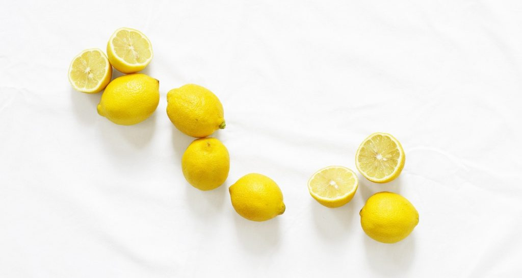 low-tox cleaning lemons