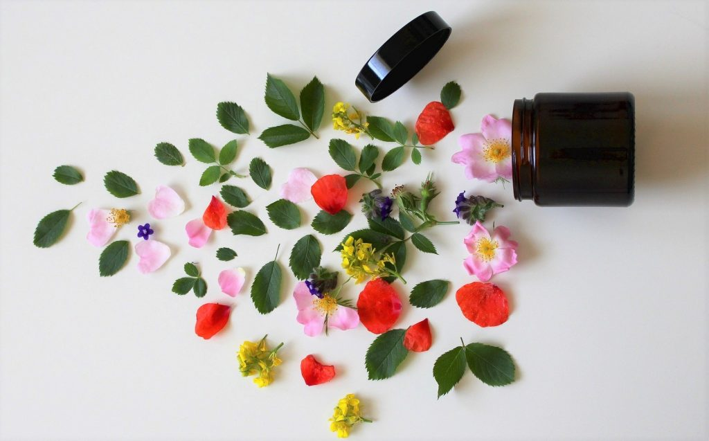 low-tox beauty home made face oil jar